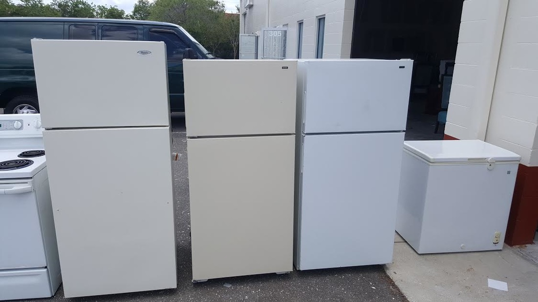 removes-refrigerators-and-stoves-from-apartment-complexes